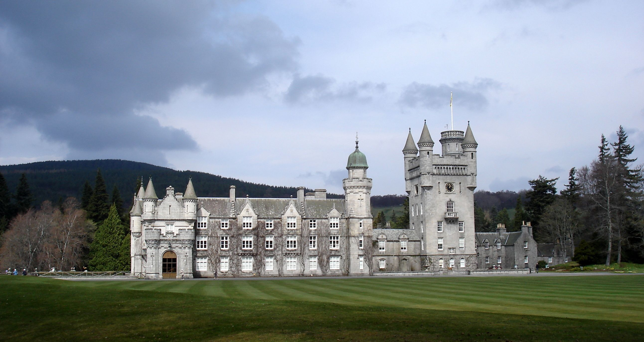 plan your visit to balmoral castle