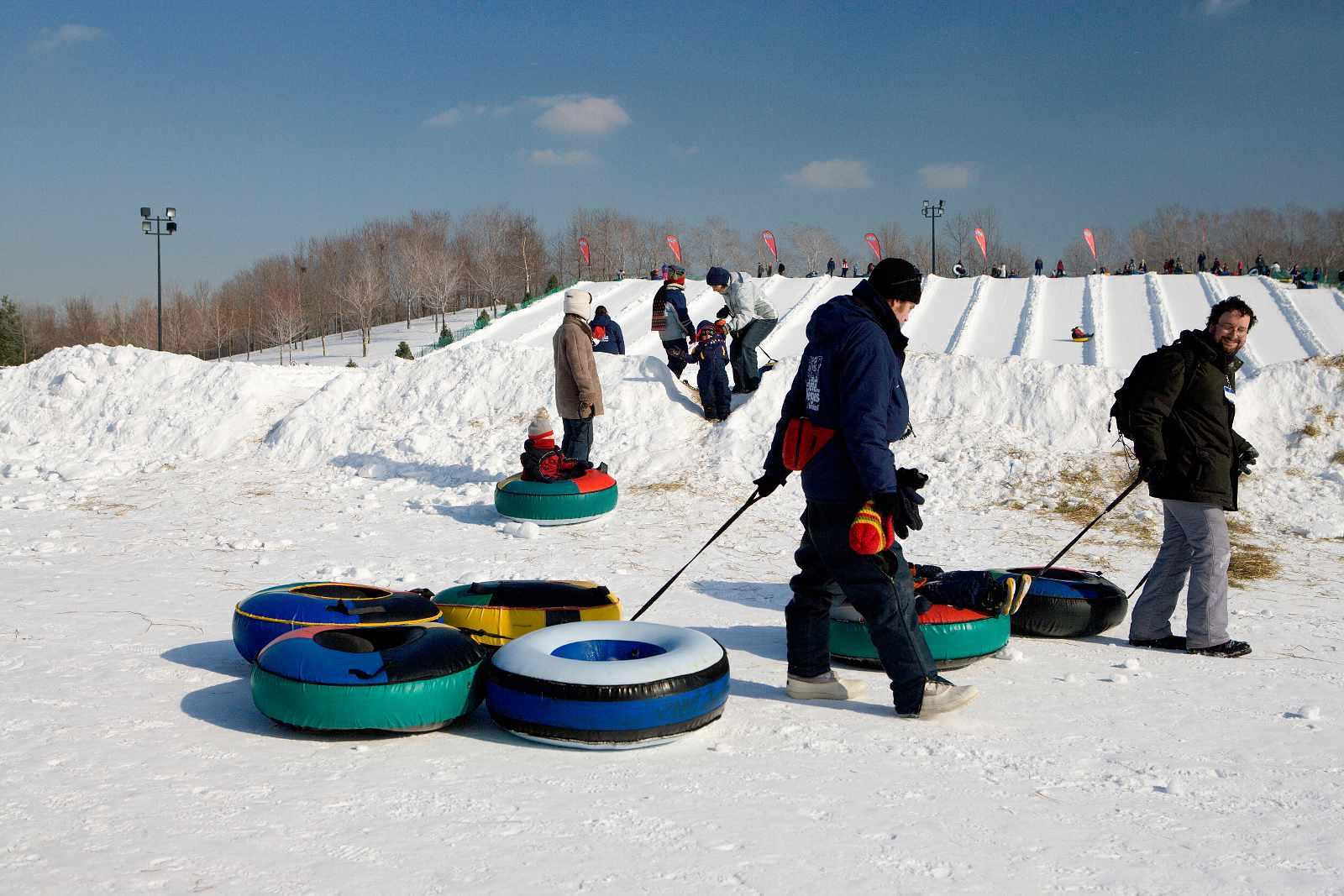 Parc Jean-Drapeau winter attractions include snow tubing