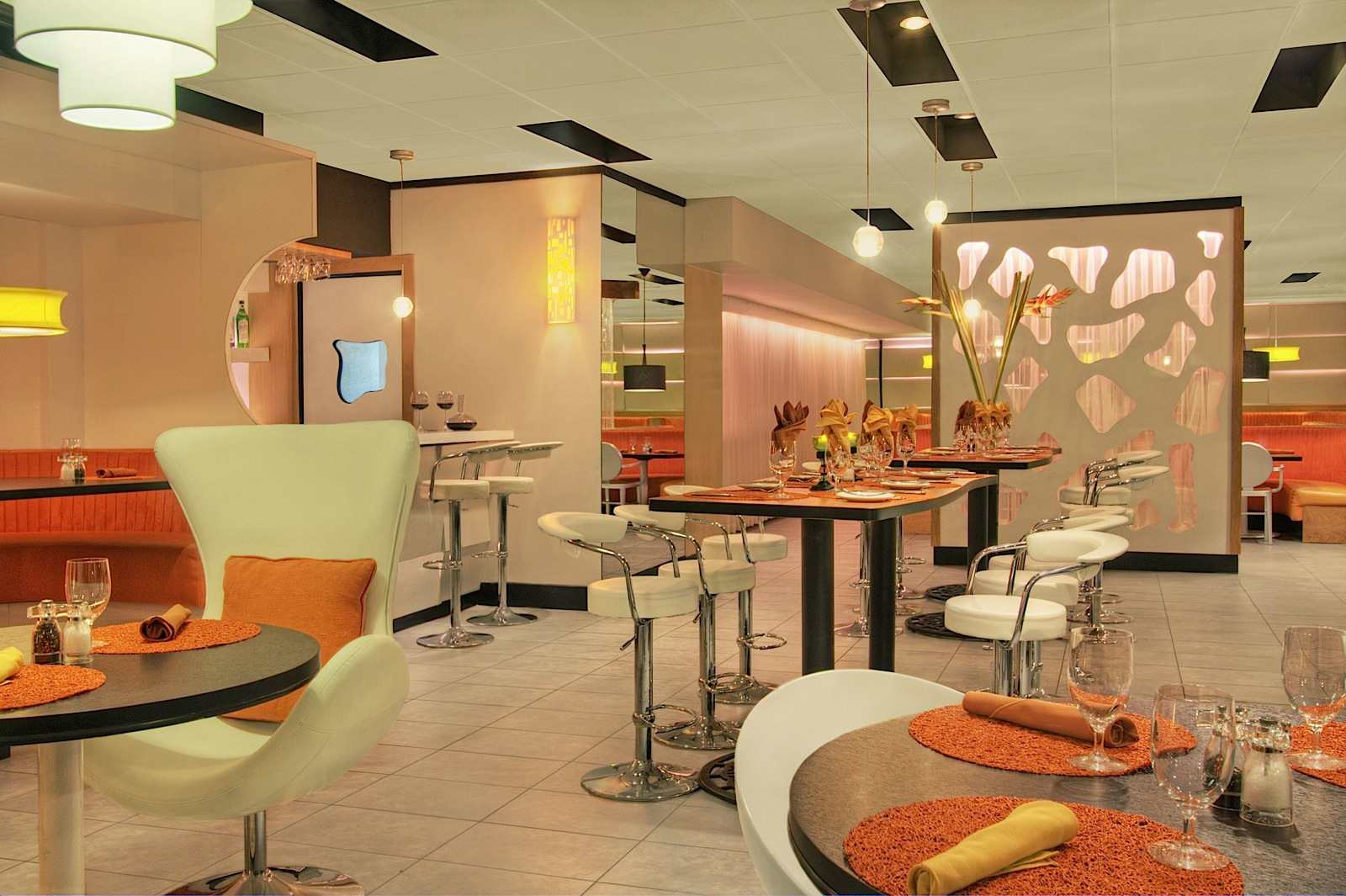 8020 Restaurant, Isla Verde