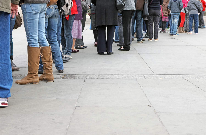Crowds on line