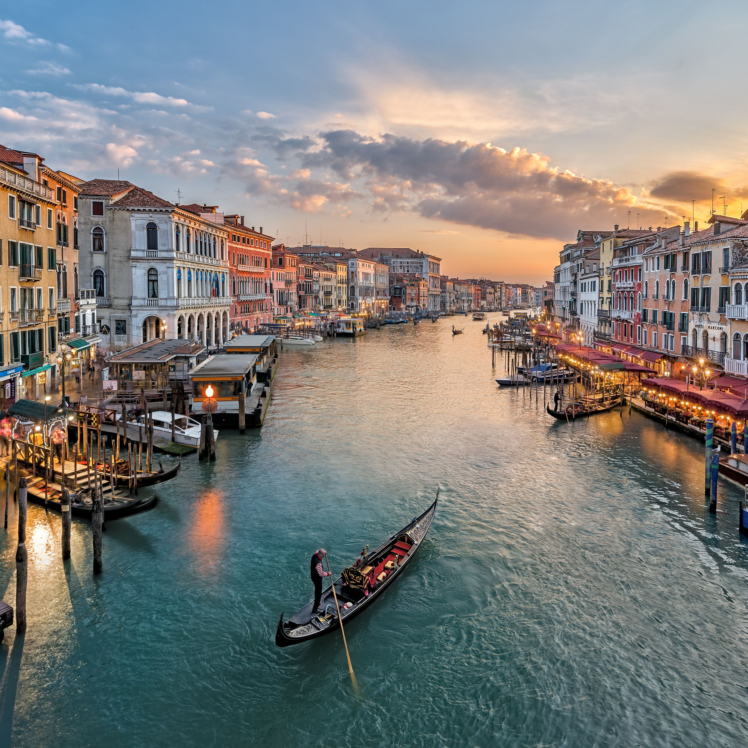 What to Know About Gondola Rides in Venice, Italy