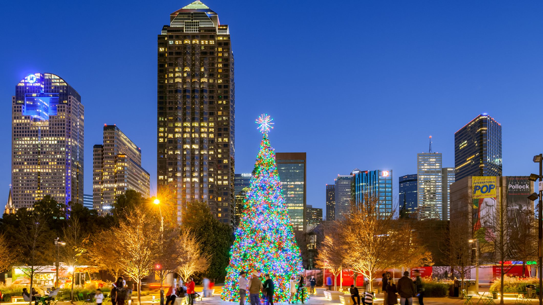 Dfw Christmas Music Radio Stations 2021 9 Best Holiday Light Displays In Dallas Fort Worth