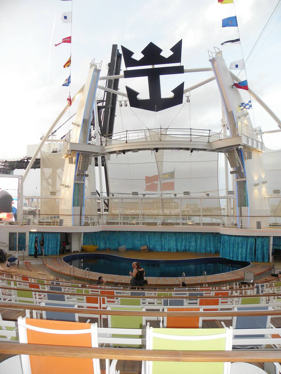 Oasis of the Seas Aqua Theatre