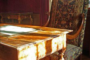 The Maison de Balzac reconstitutes the author's workspace.