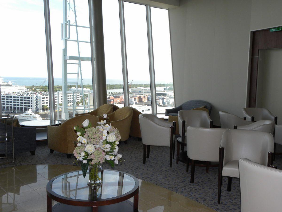 Oasis of the Seas - Pinnacle Lounge