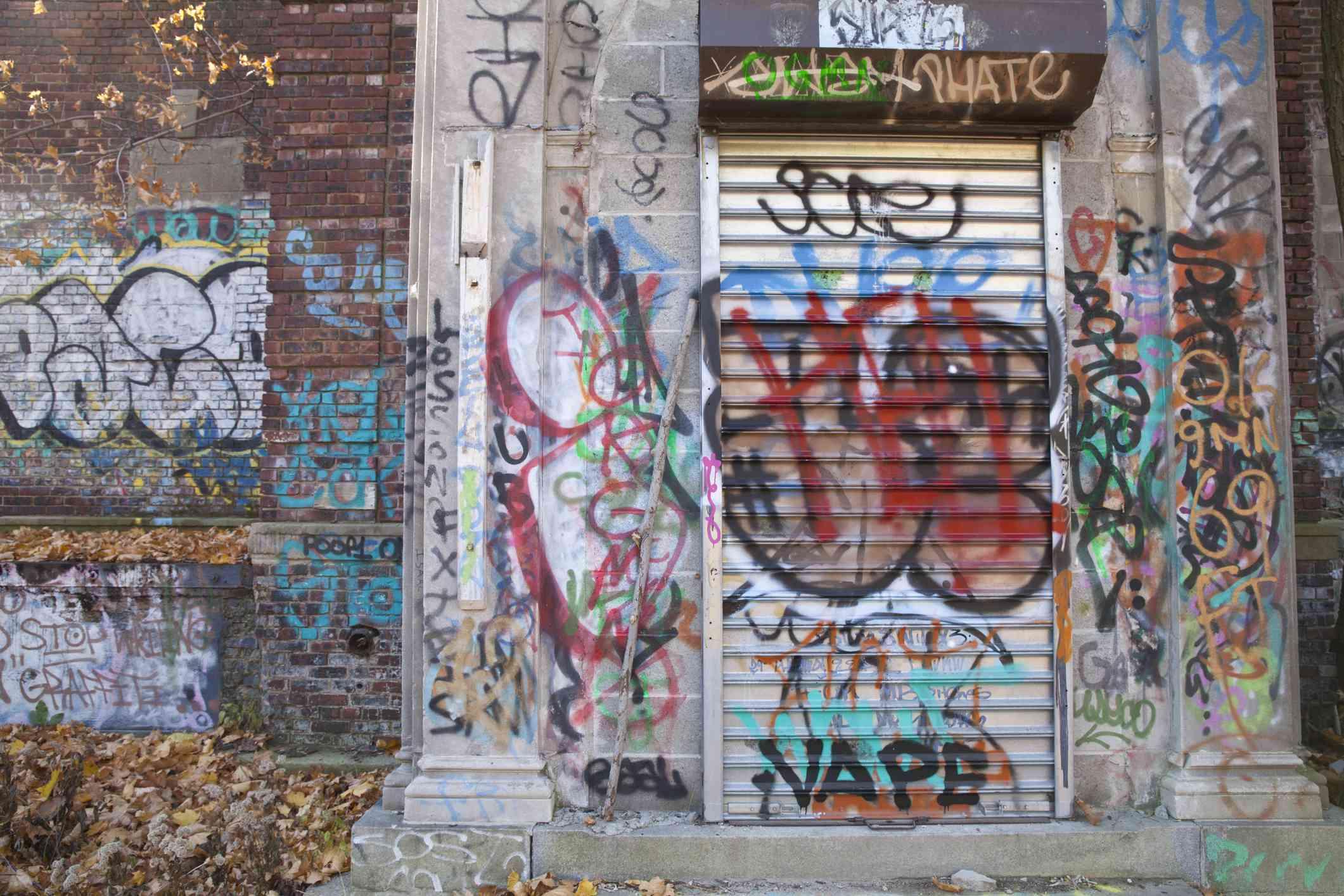 Grafitti on wall