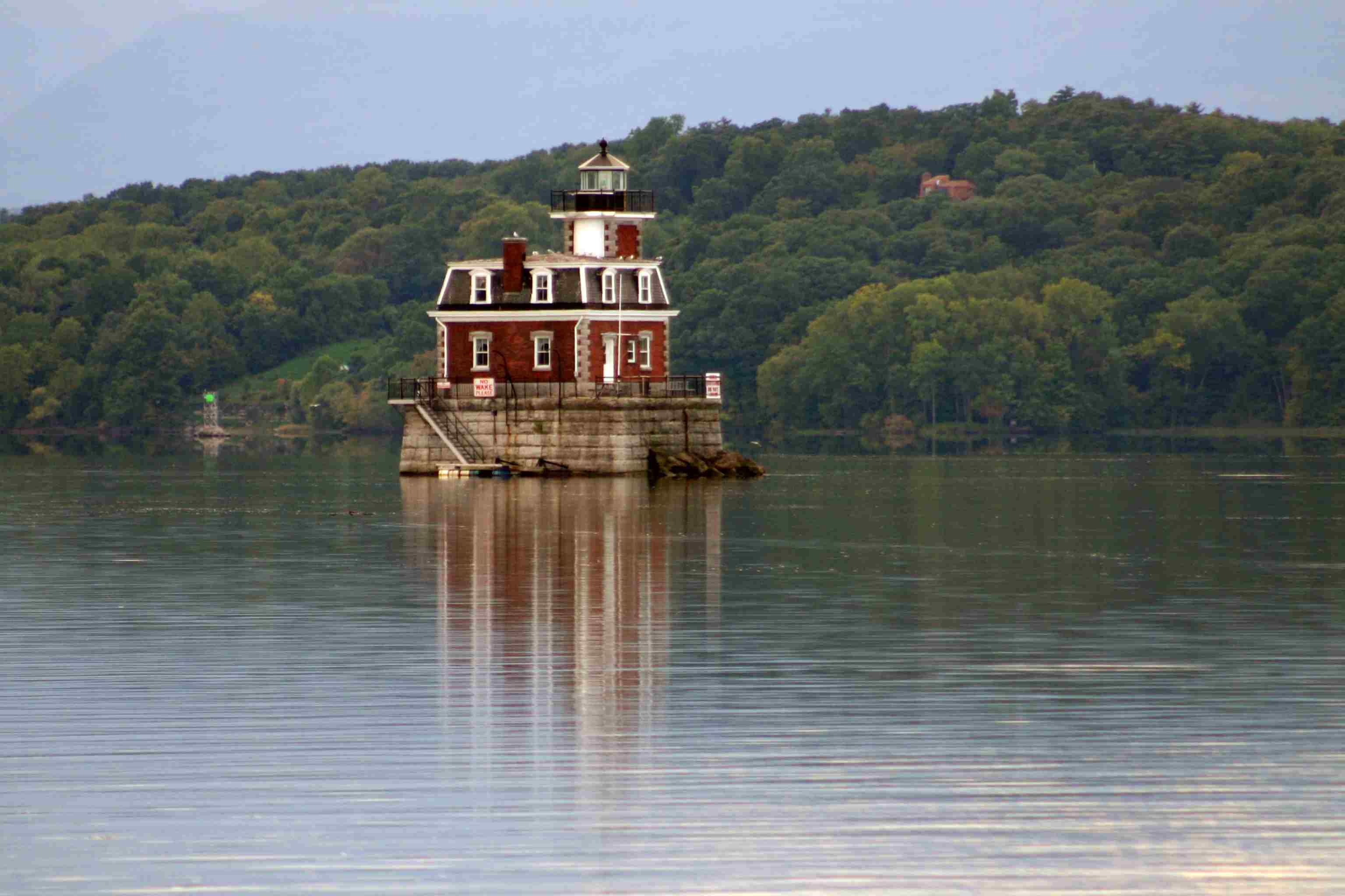 Hudon-Athens Lighthouse: Top 8 Things to Do in Hudson, NY