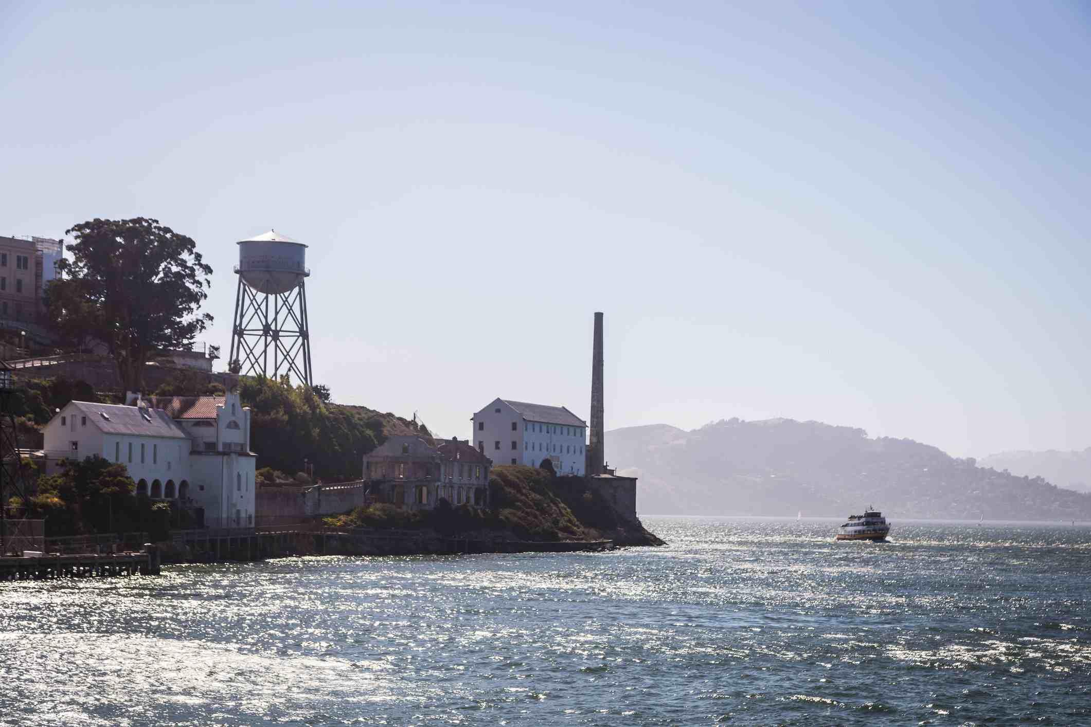 The Alcatraz ferry travels past the island