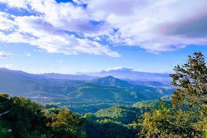 View of El Savadors green mountains