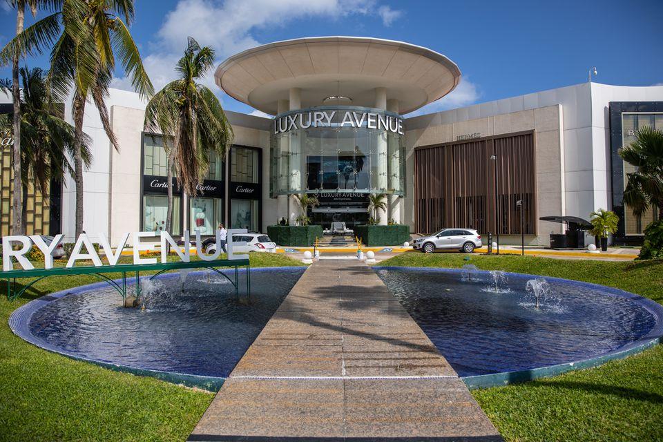 Luxury Avenue Mall entrance