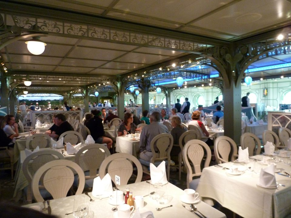 The Enchanted Garden dining venue on Disney Dream Cruise Line.