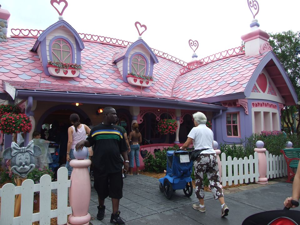 Stroller in Disney World Minnie Mouse House