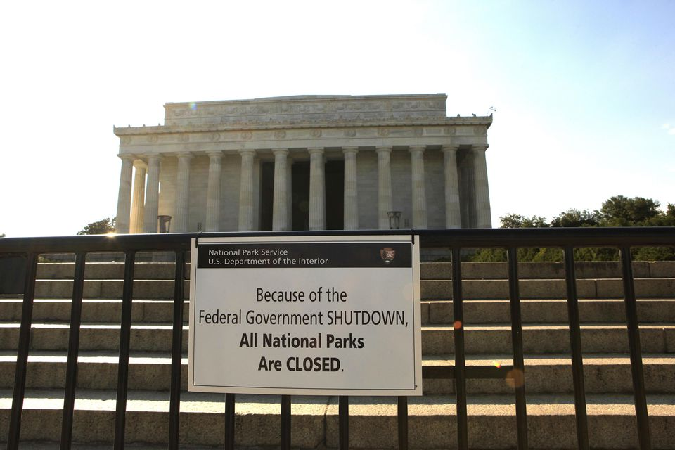 Sign for national park closure during government shutdown
