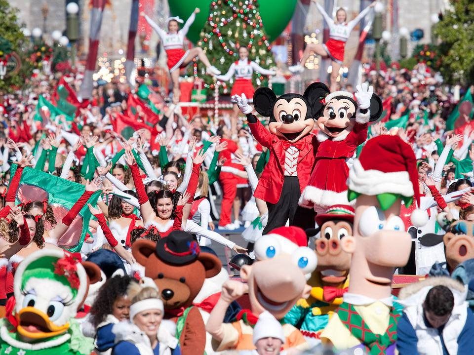 disney world christmas parade