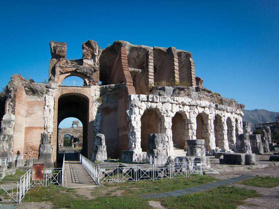 capua amphitheater picture