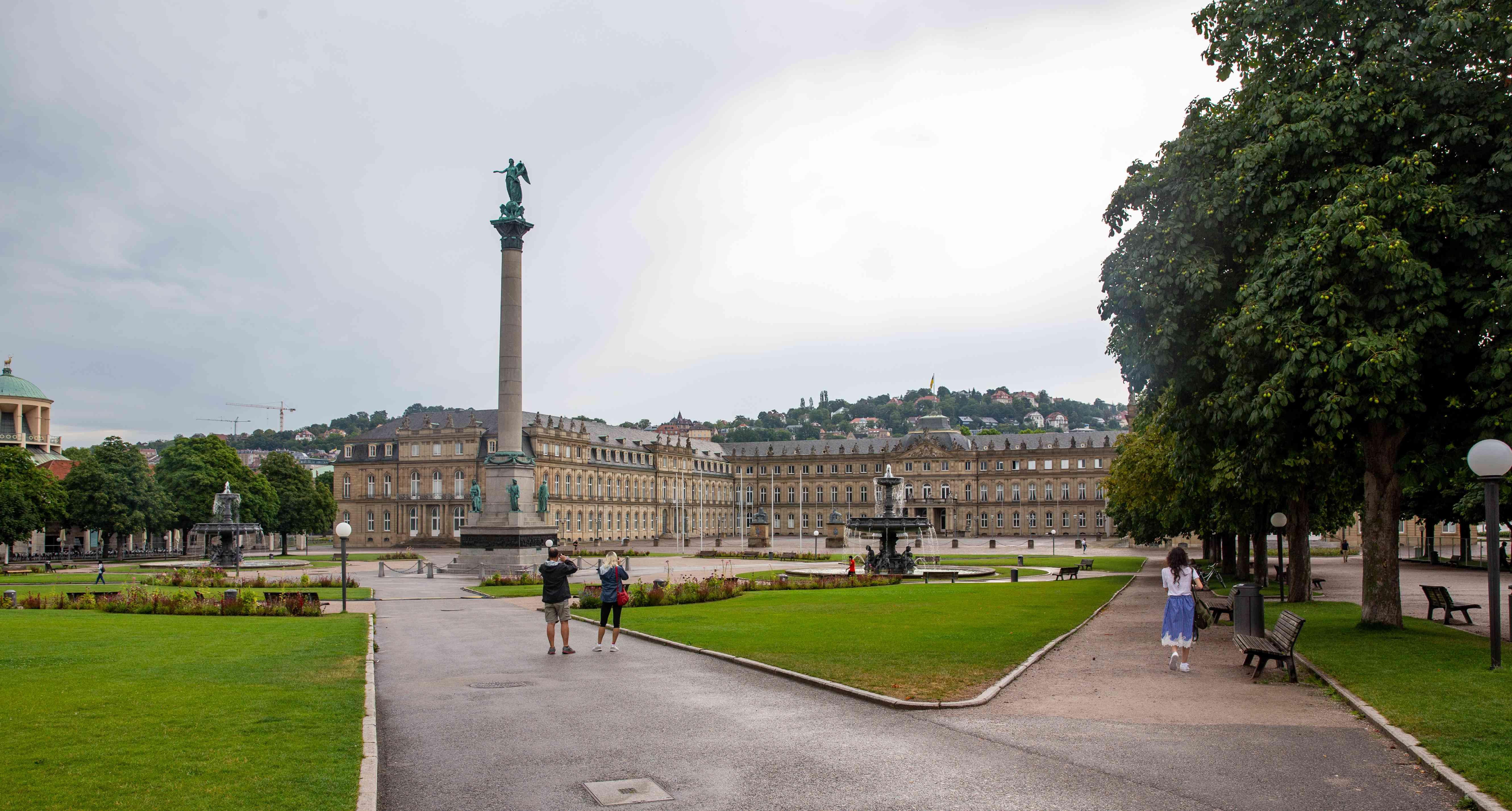 Wide view of Schlossplatz