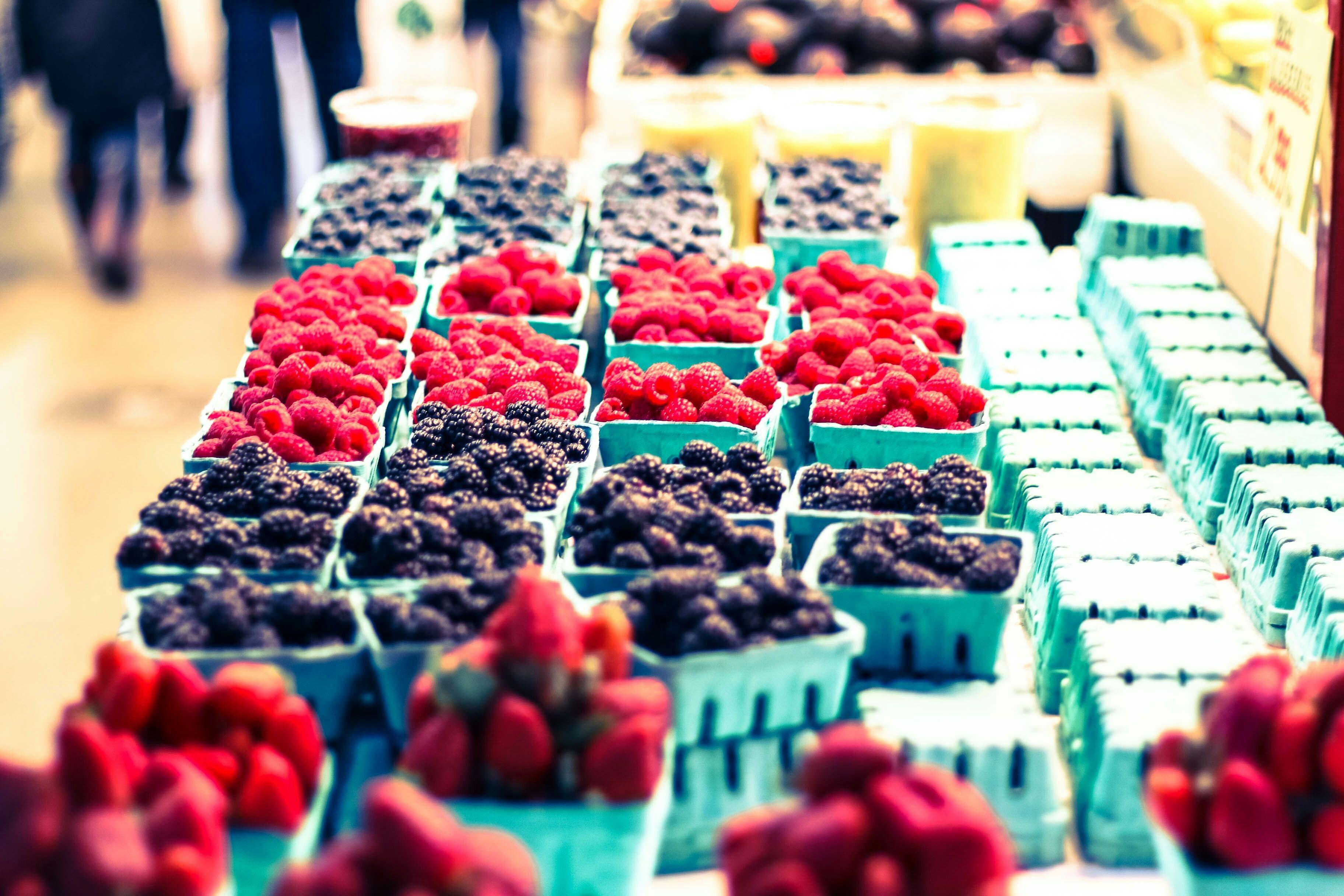 farmers-market-fruit