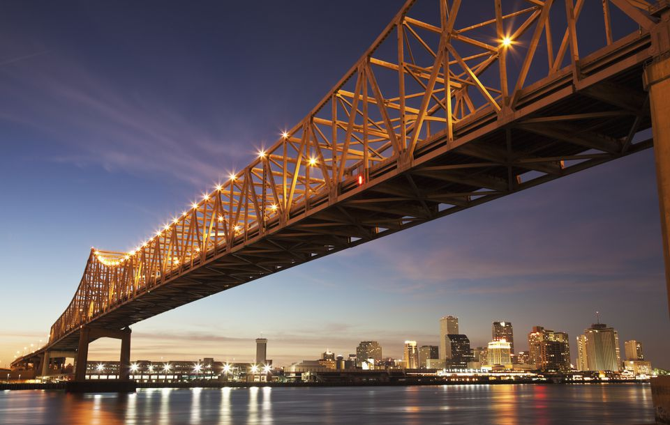 USA, Louisiana, New Orleans, Toll bridge over Mississippi River