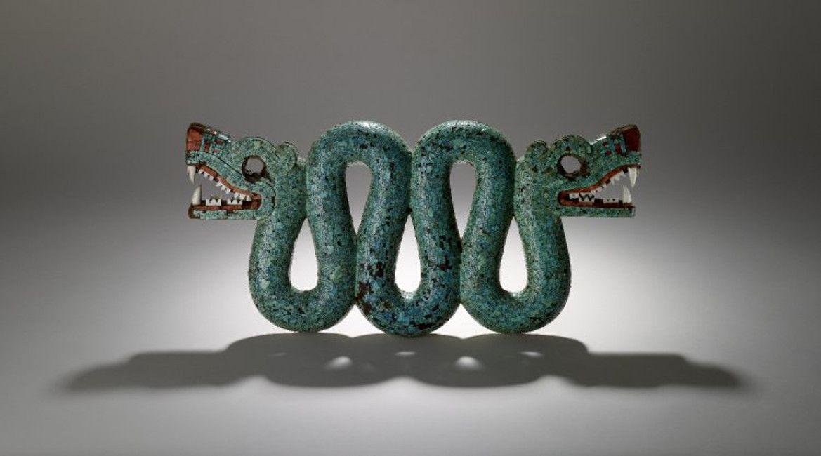 Pectoral, en forma de serpiente de dos cabezas