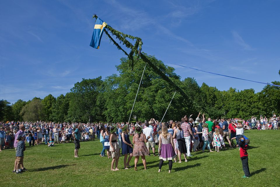 Midsummer's Eve celebration in action