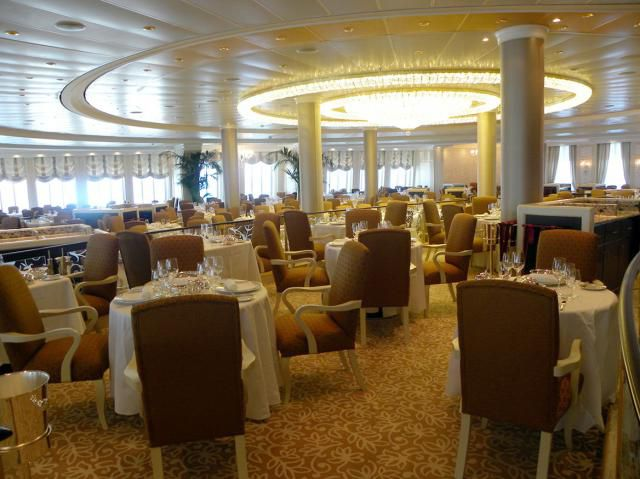 Dining Options on Riviera of Oceania Cruises