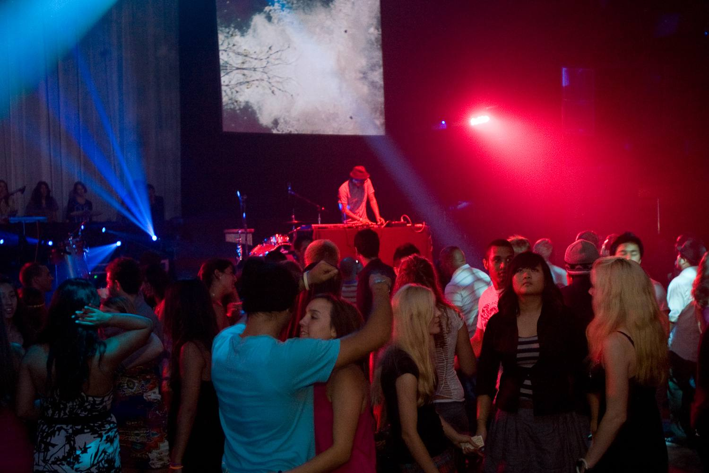 Friday night crowd at Avalon Hollywood Nightclub
