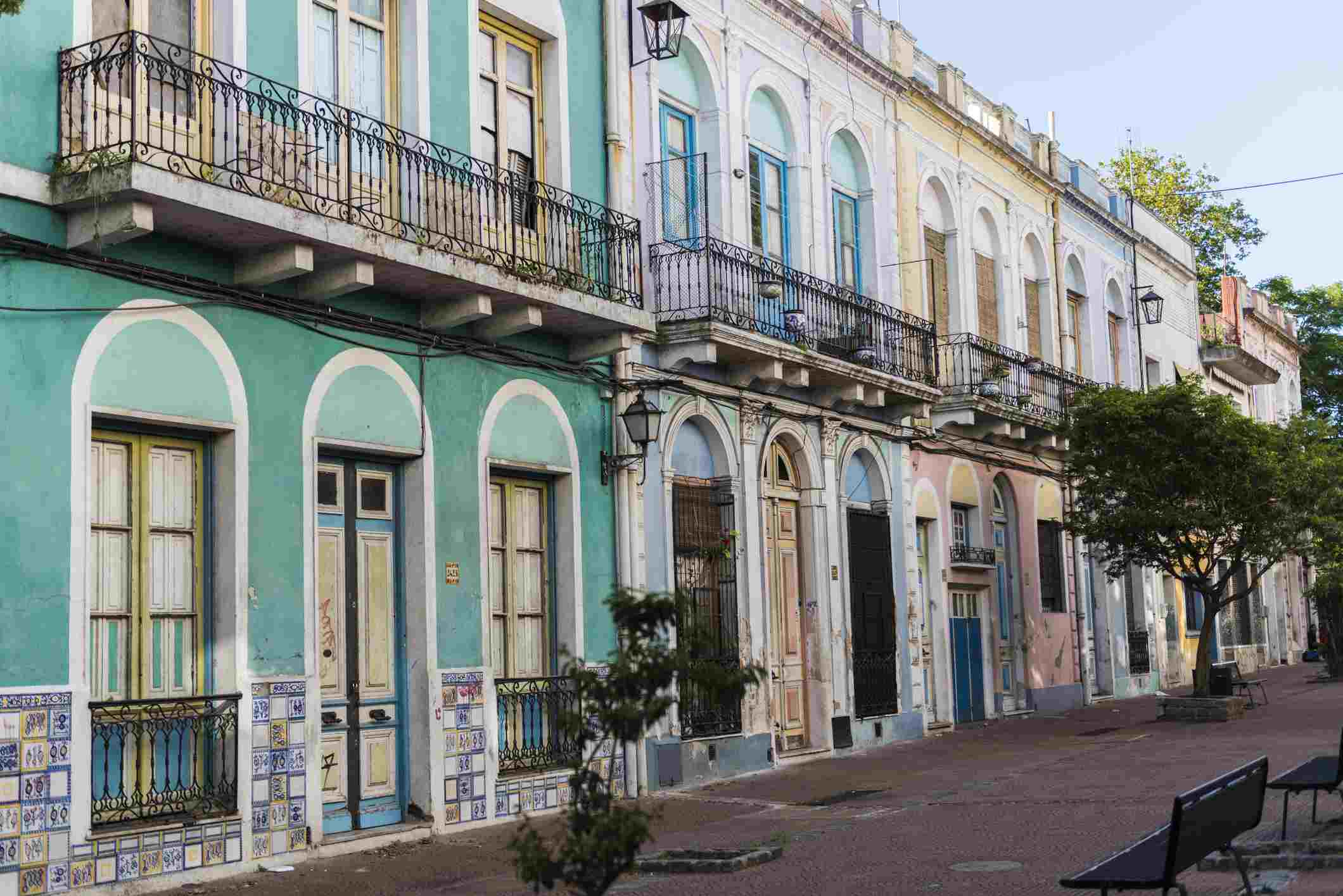 Streetview in Montevideo, Uruguay of colorful colonial architecture