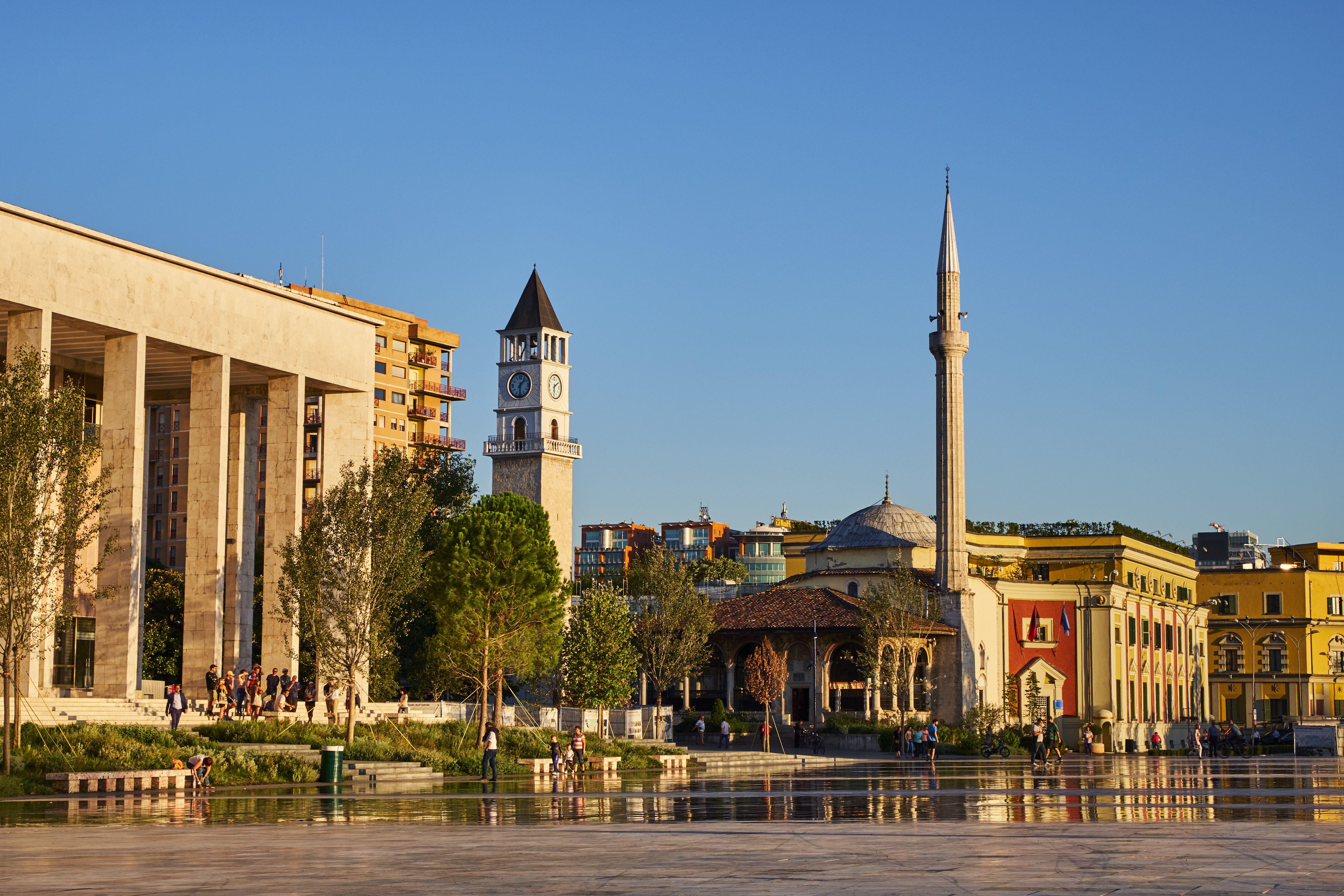 Albania, Tirana, plaza Skanderbeg