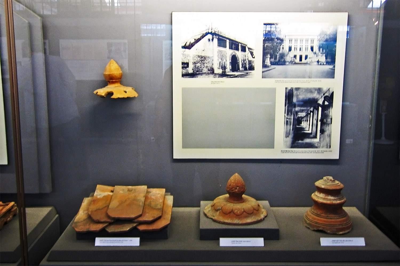 Pottery exhibit, showing namesake of Hoa Lo Prison