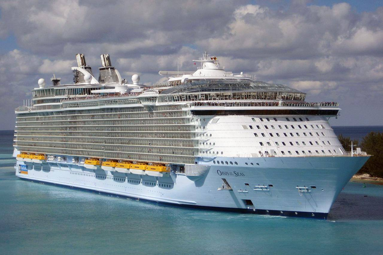 Oasis of the Seas entering the port at Nassau, Bahamas