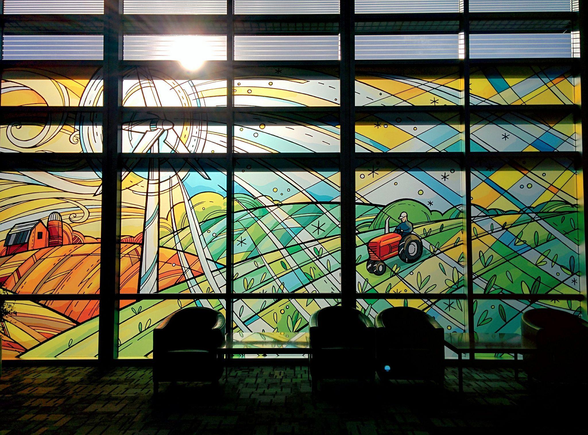 Glass Art at Minneapolis−Saint Paul International Airport