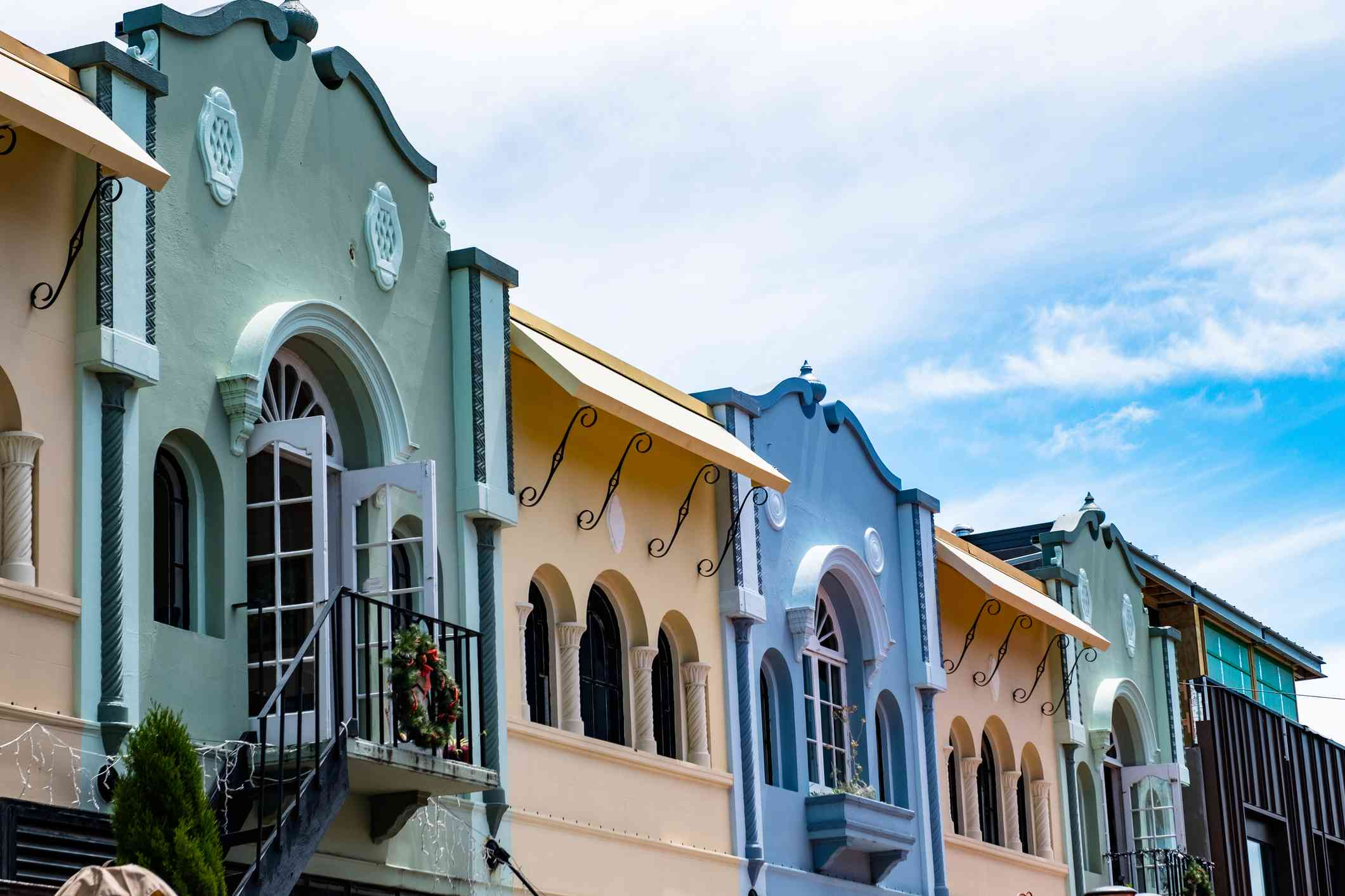 pastel colored colonial-era buildings