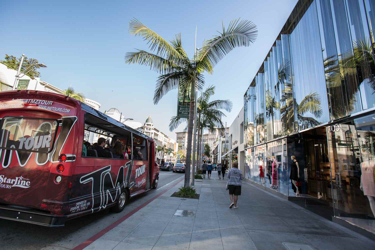 Starline TMZ Tour on Rodeo Drive in Beverly Hills