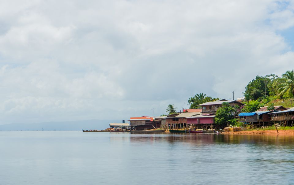Houses on the Brokopondo lake in Suriname