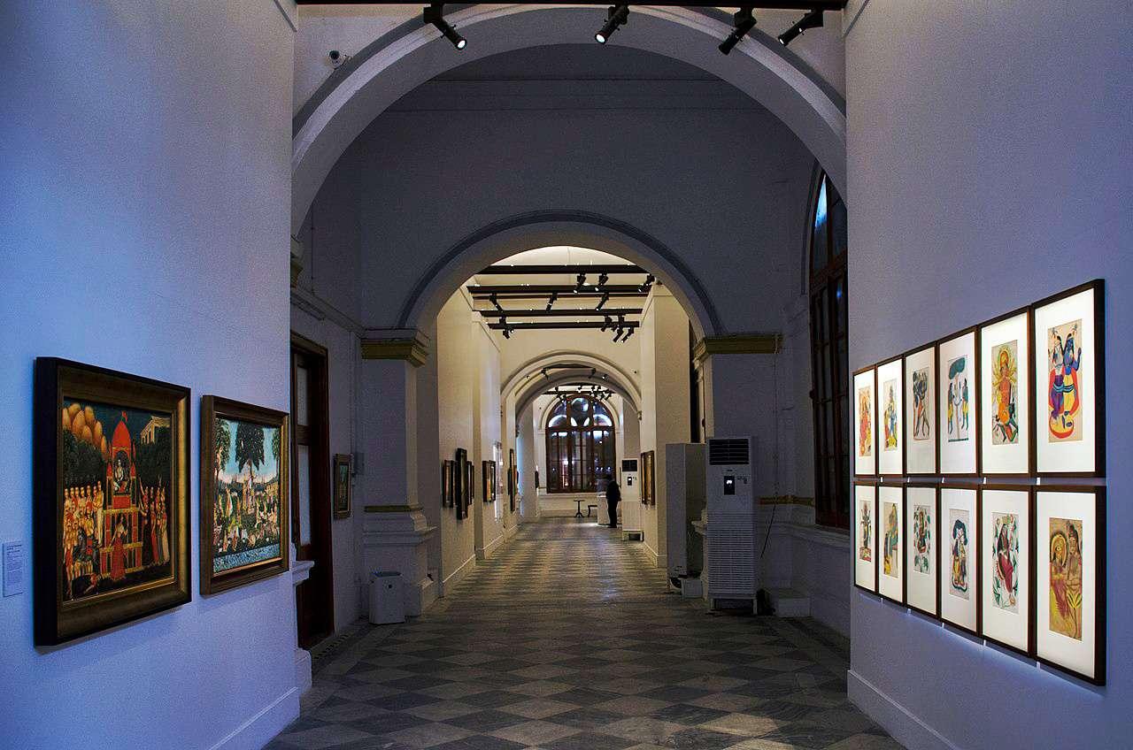 Inside Ghare Baire Art Museum, Currency Building, Kolkata