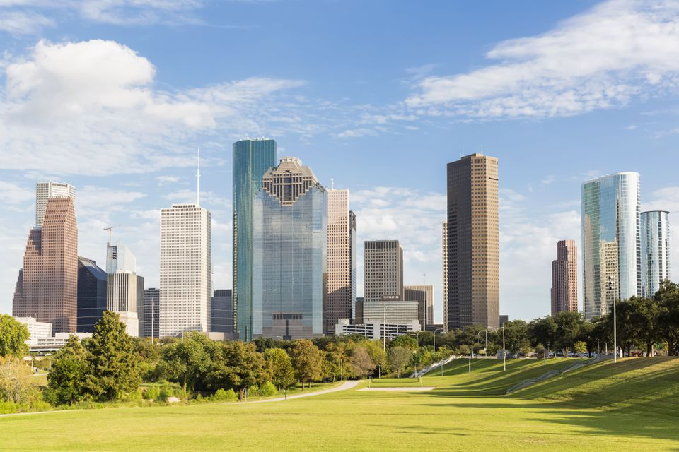 USA, Texas, Houston, Skyline and Eleanor Tinsley Park