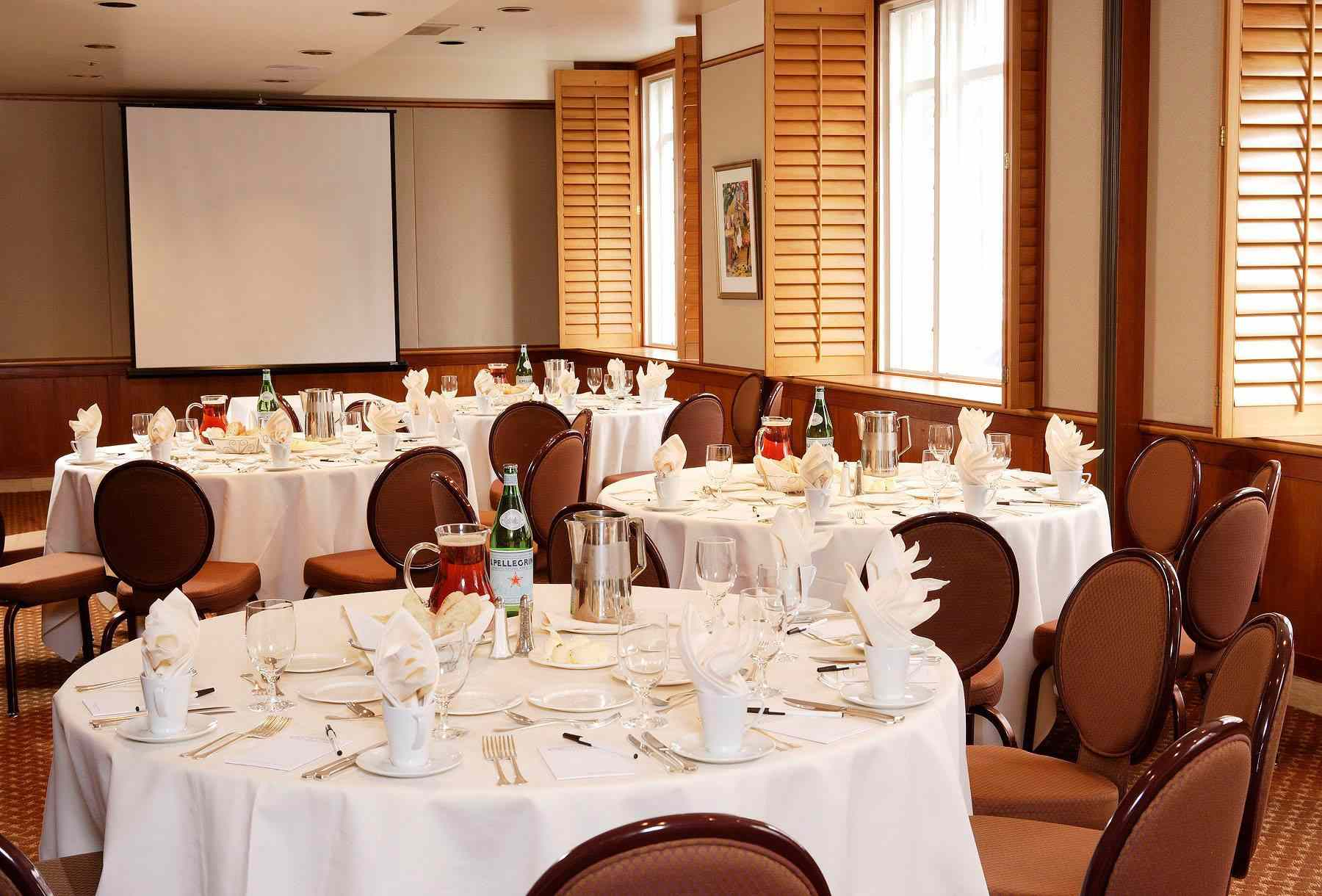 Headwaters dining room