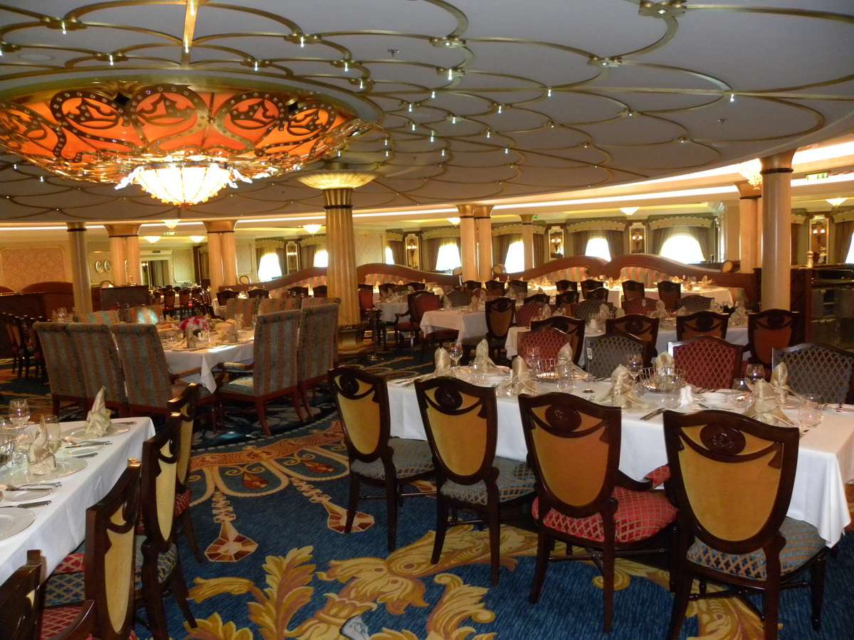 Disney Dream Dining And Cuisine Photo Gallery