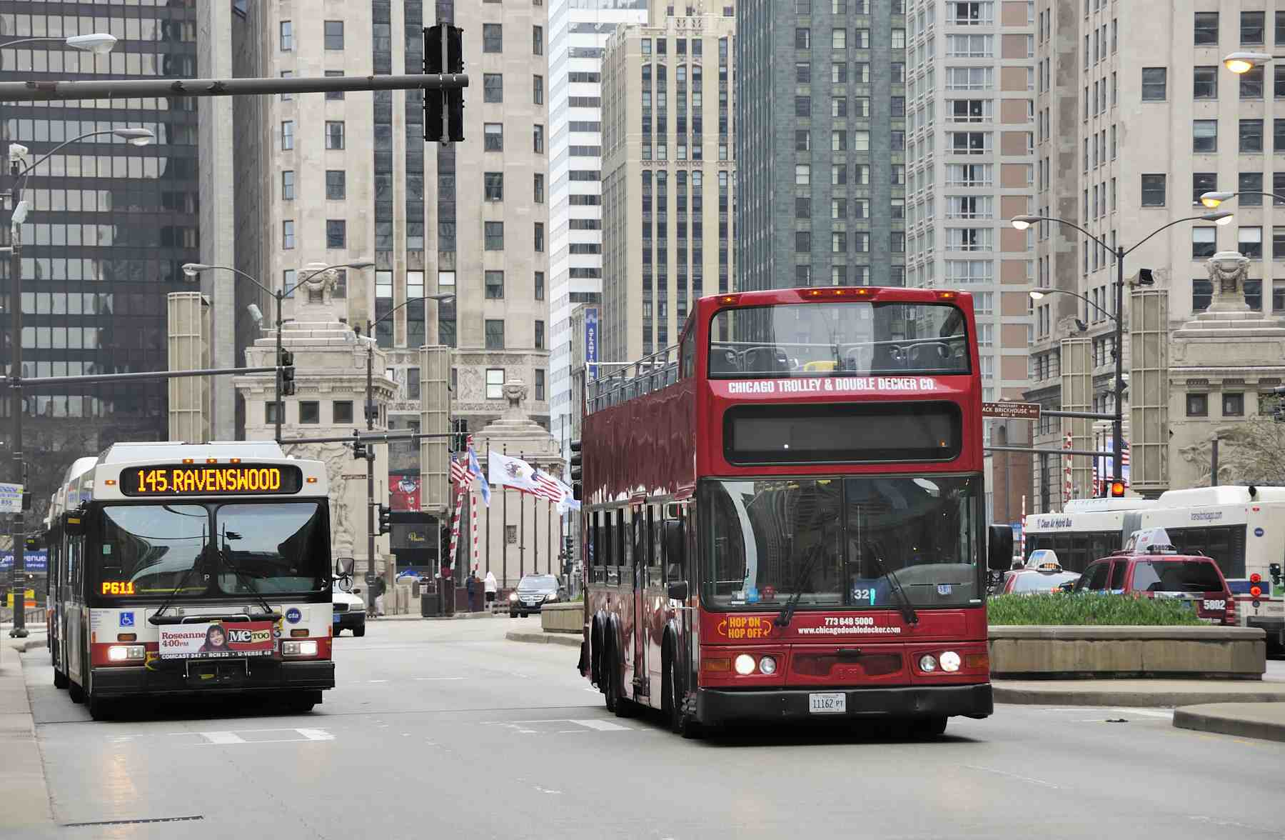 How To Ride Public Transportation In Chicago: Buses