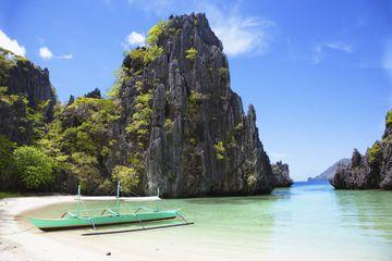 Banca boat, Hidden Beach, Mantinloc Island