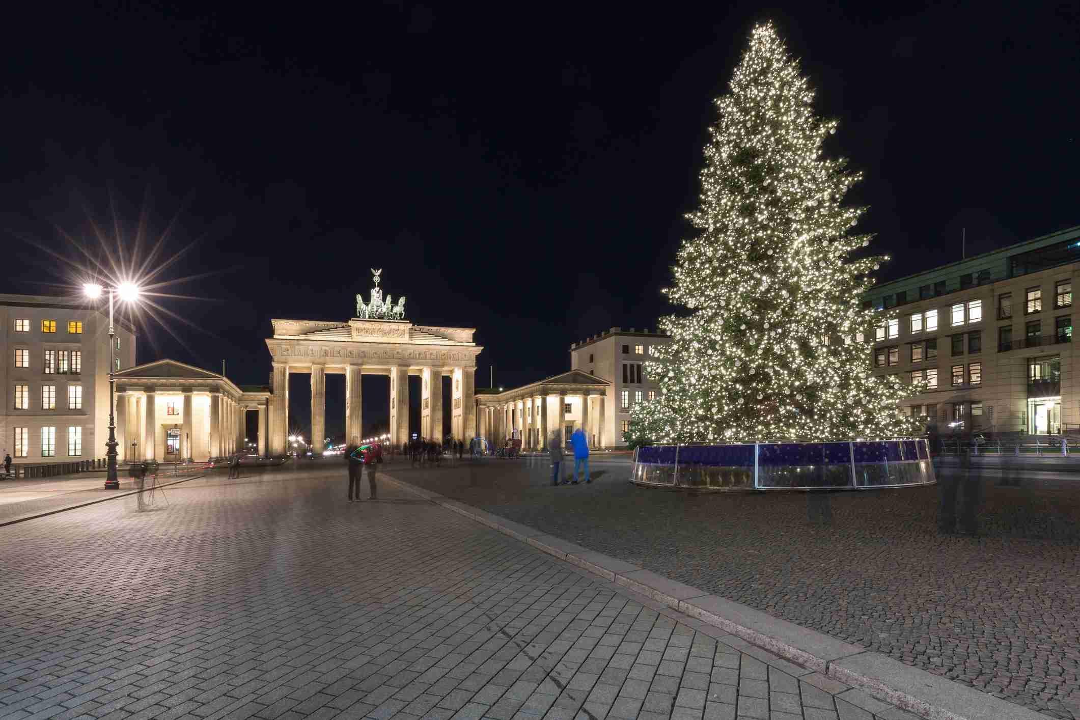 German Christmas Tree.Top German Christmas Traditions