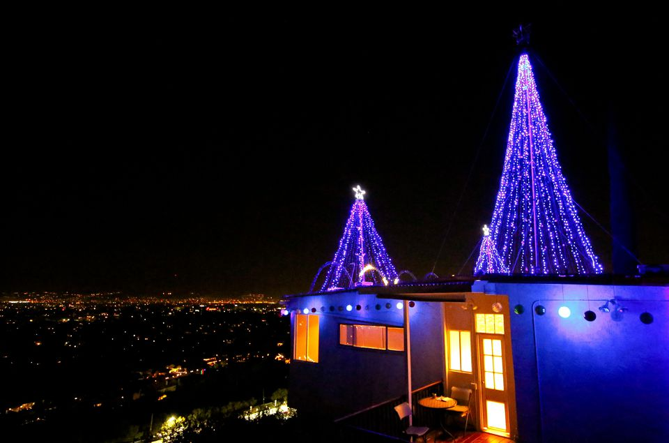 los angeles in december what to expect and annual events. Black Bedroom Furniture Sets. Home Design Ideas