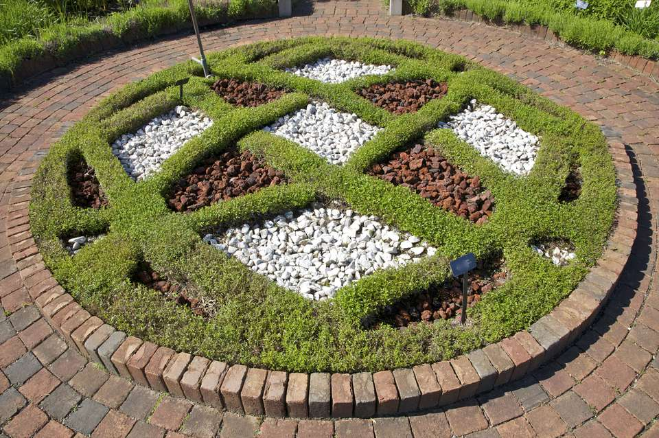 Central knot of Alexandra Hicks Herb Knot Garden at Matthaei Botanical Gardens at University of Michigan