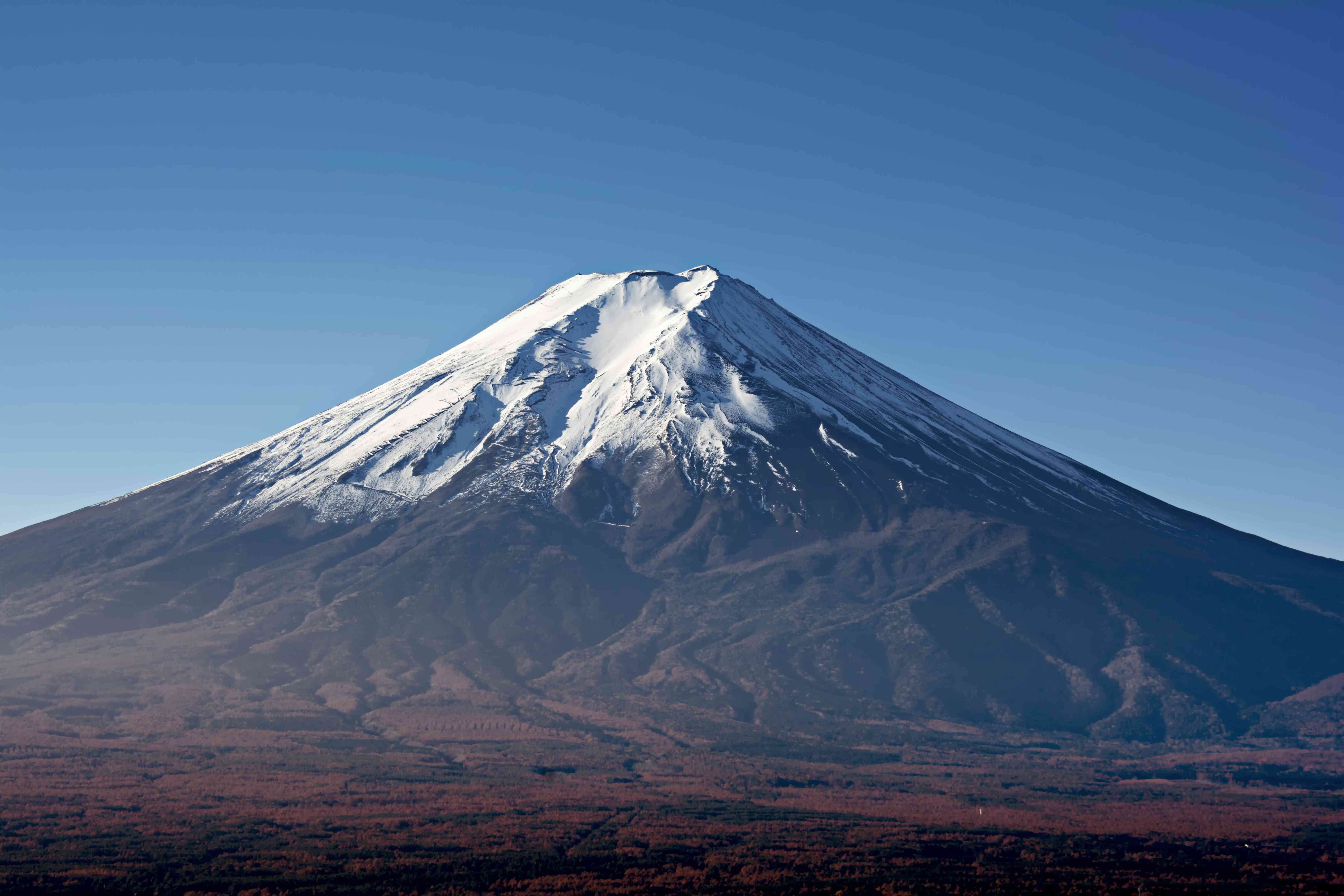 Mount Fuji on a cloudless day
