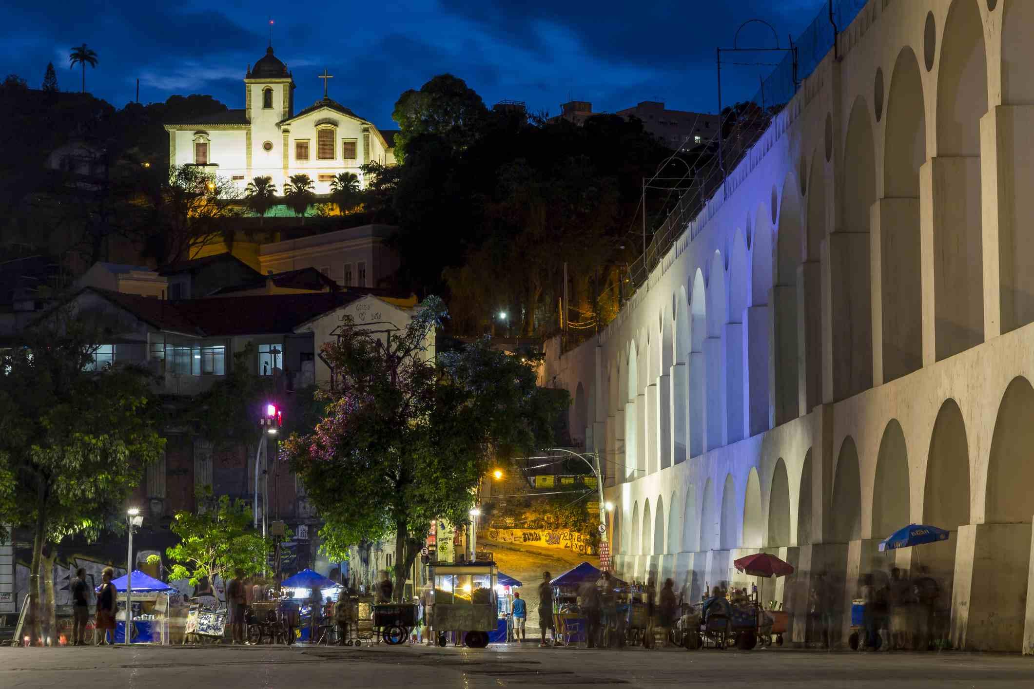 Night shot of the Lapa Arches and the Santa Teresa convent, Rio de Janeiro