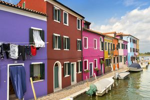 Brightly coloured houses in Burano, Venice 6