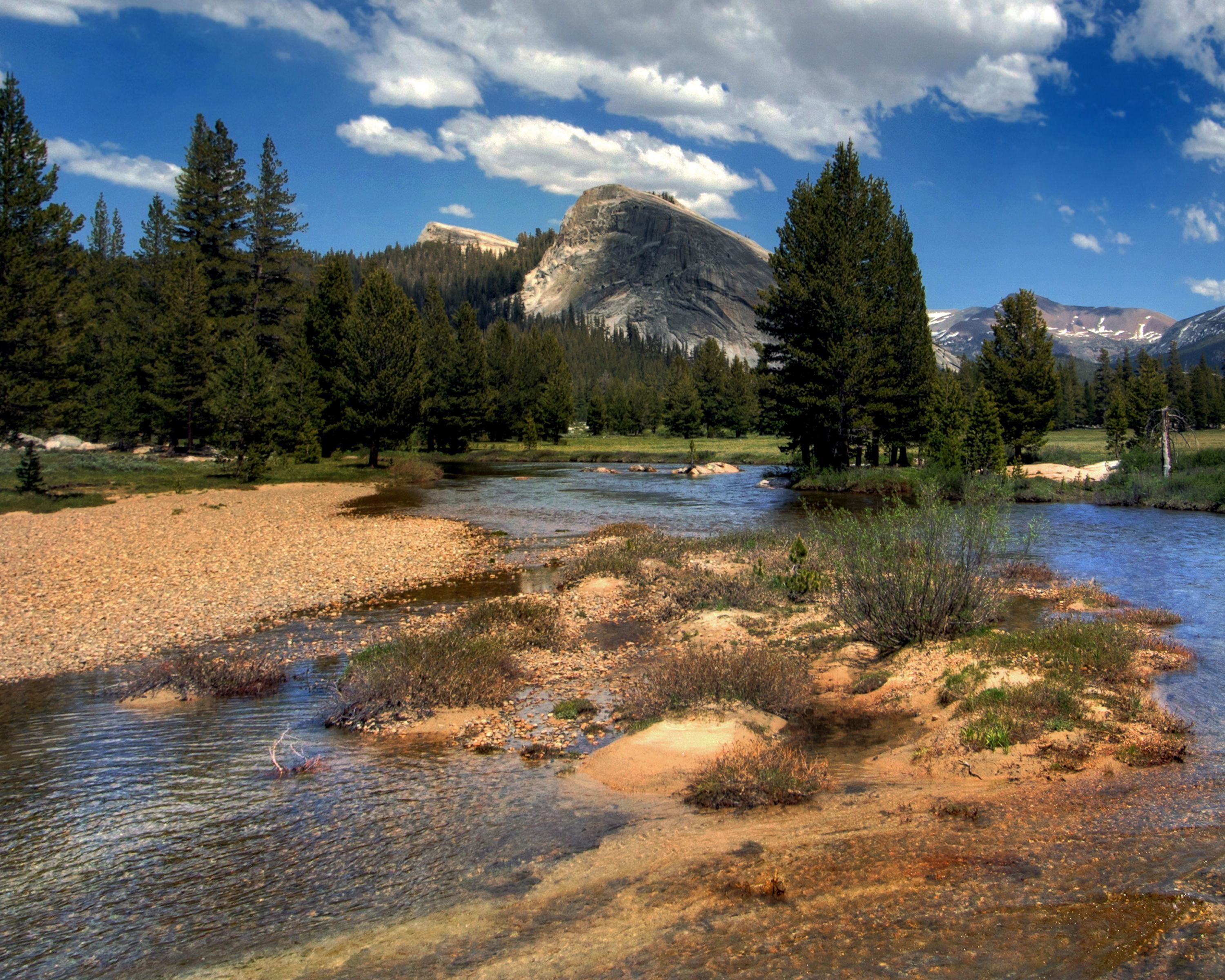 Toualame Meadows, Yosemite with a view of Lambert Dome