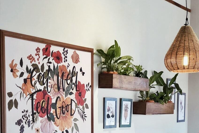 wall planters and paintins in Fab Cafe, Kolkata.