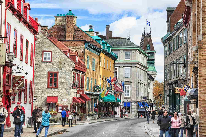 Rue Saint-Louis en el área de Upper Town del histórico Old Quebec, Quebec City, Quebec, Canadá