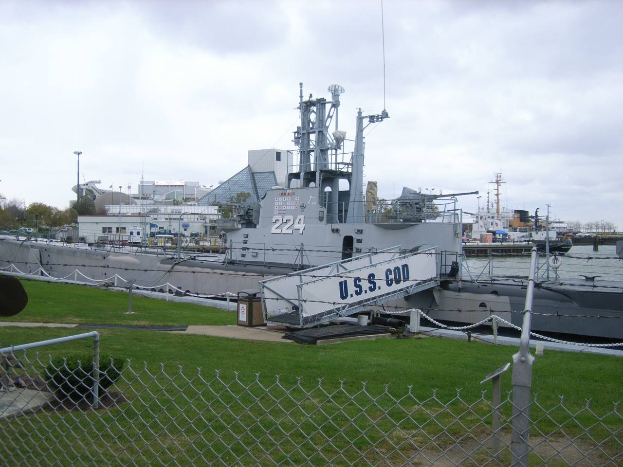 English: The U.S.S. Cod is a World War II submarine that now serves as a museum ship in Cleveland, Ohio.